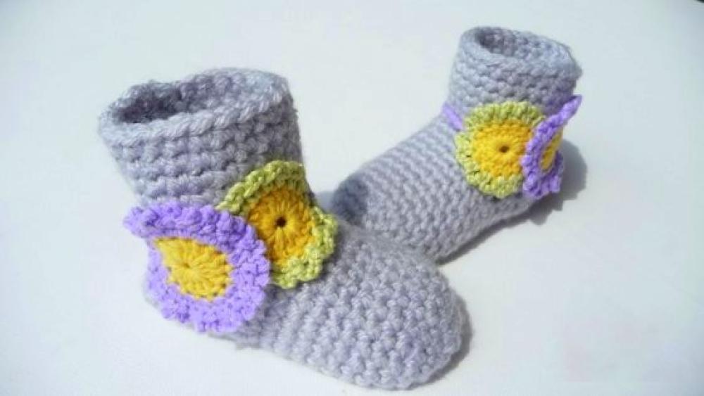 WoolAffair - handmade - Häkelanleitung Babyschuhe - Blüten-Stiefel ...