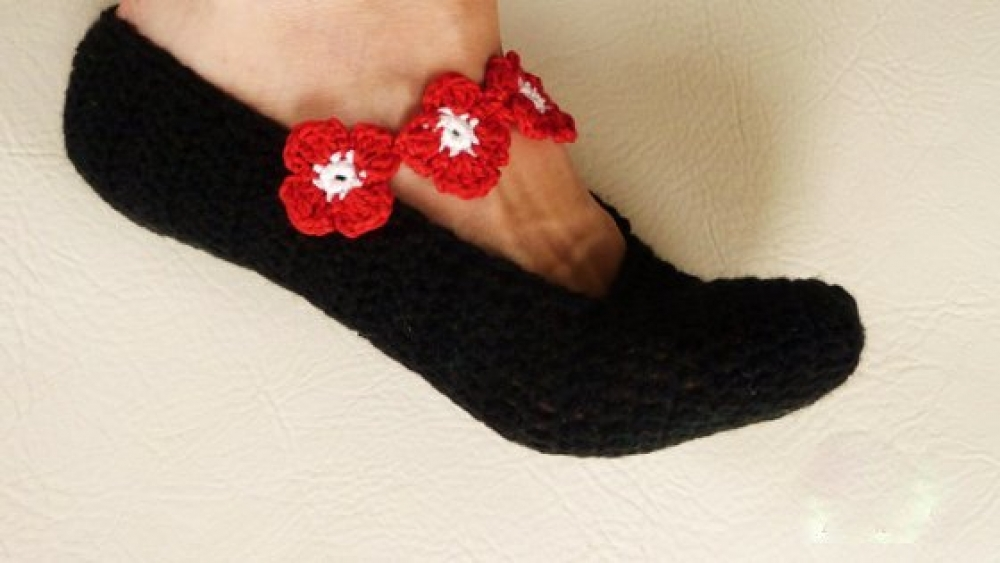 Woolaffair Handmade Häkelanleitung Hausschuhe Häkeln Blüten